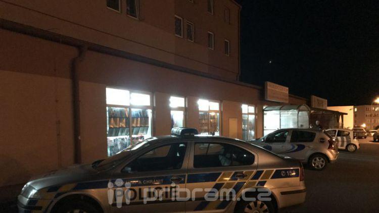 V noci na dnešek došlo k vloupání do prodejny textilu v Příbrami