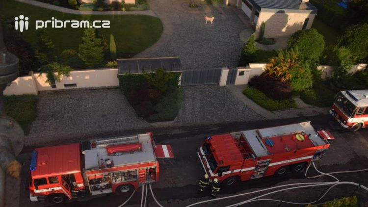Obrazem: Noční požár v Bohutíně napáchal škody za dvacet milionů