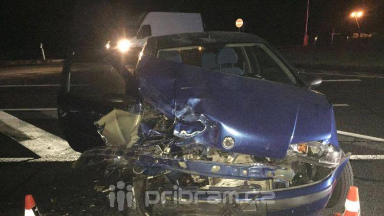 Vážná dopravní nehoda v noci na dnešek uzavřela silnici I/4