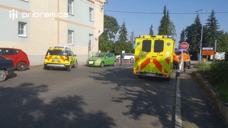 Právě teď: V Žežické ulici srazil osobní vůz chodce