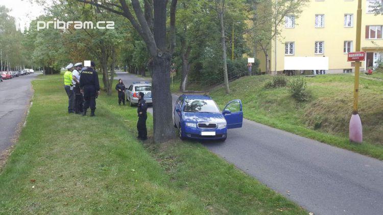 Zdrogovaný a opilý řidič ujížděl policejní hlídce v Příbrami