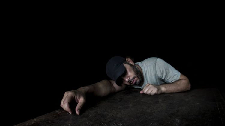 Zloděje přemohla únava a usnul přímo v domě, který přišel vykrást