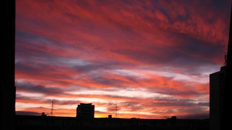 Rudé nebe nad Příbramí