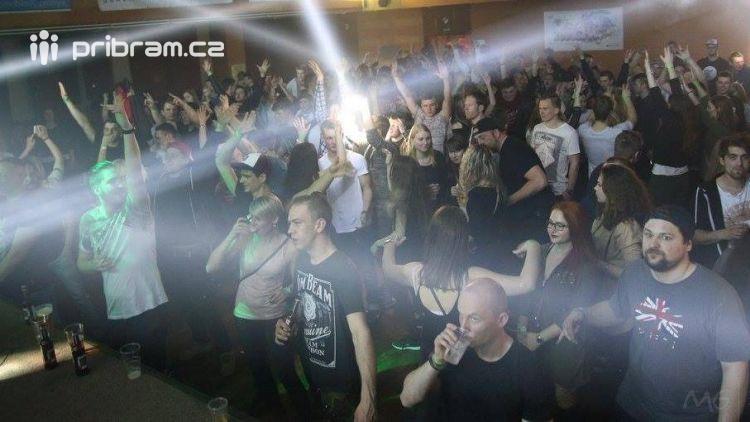 Velkolepá DJ oslava na říjnových Kačerech v Březnici