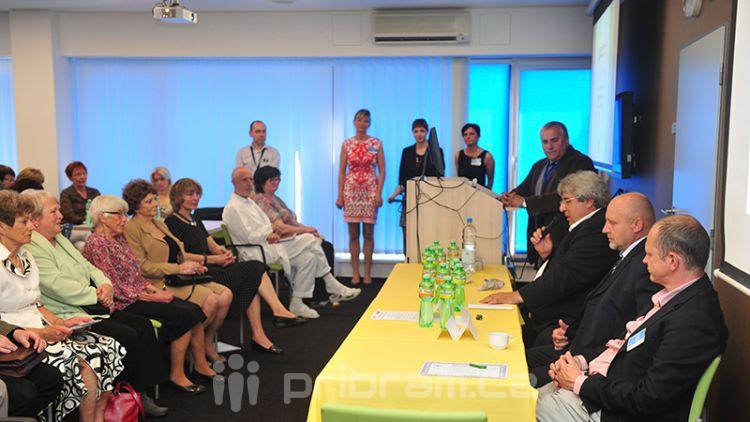 Hejtman Řihák navštívil Kadeřábkův den a předal čestné medaile