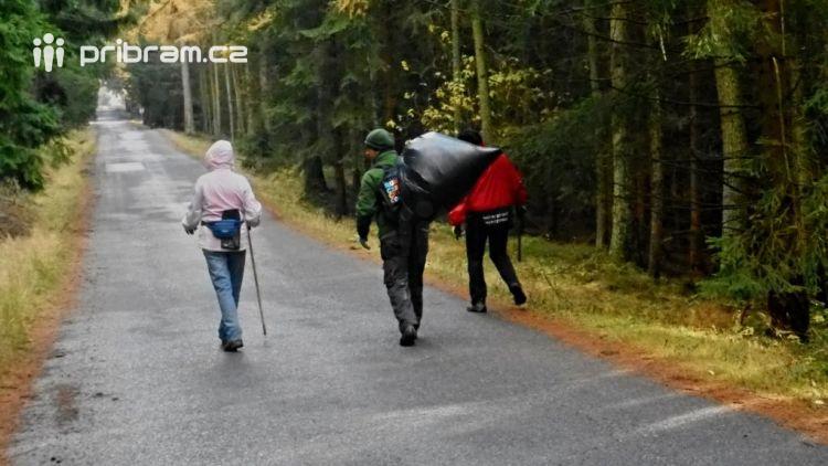 Místo turistů brázdily CHKO Brdy úklidové čety