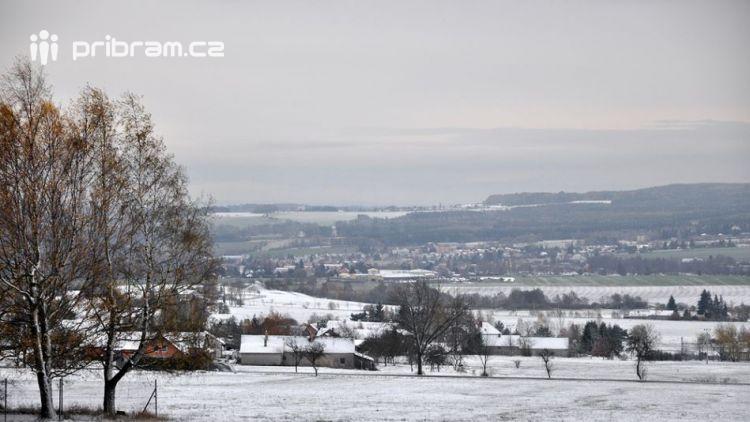 Třemšínsko je pod letošní první sněhovou pokrývkou
