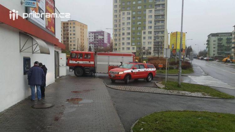 Požár grilu uzavřel prodejnu na Drkolnově