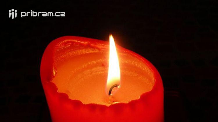 Hasiči varují: Pozor na svíčky na adventním věnci