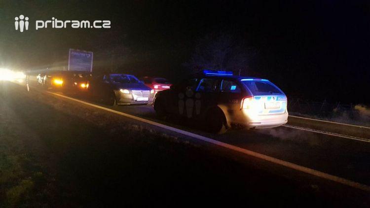 Právě teď: Hromadná dopravní nehoda zastavila provoz na Strakonické