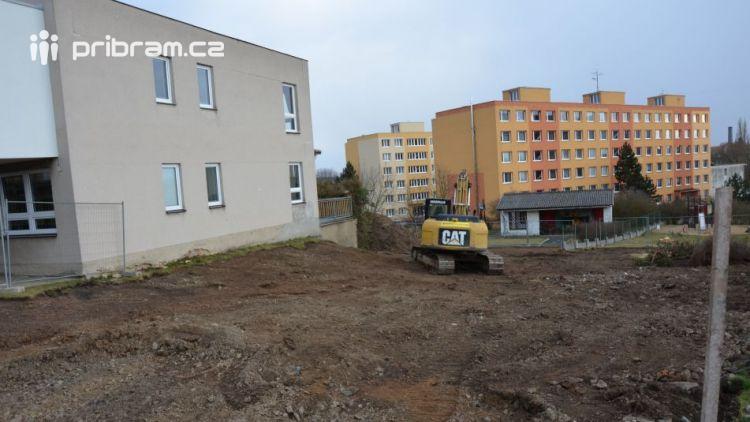 Probíhají zahajovací práce ke stavbě nového pavilonu 5. MŠ Dobříš