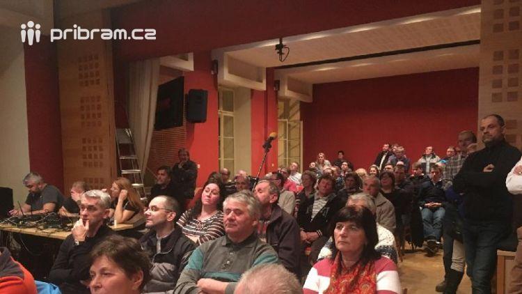 Diskuze o obchvatu zaplnila jednací sál
