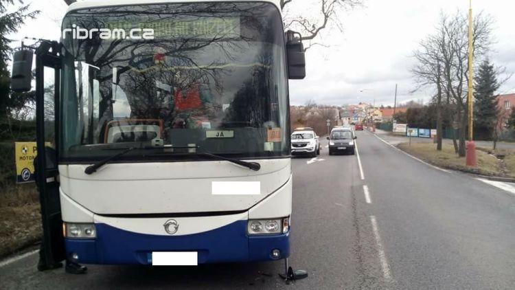 Aktuálně: Dopravní nehoda komplikuje provoz v Rožmitálské ulici