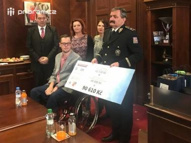 Na handicapovaného mladíka se vybralo devadesát tisíc