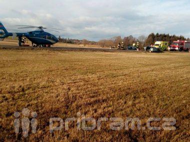 Vážná nehoda u Březnice. Na místě zasahuje i záchranářský vrtulník
