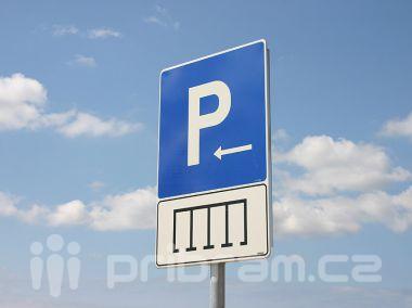 Na chystaném parkovišti u nemocnice vznikne i autobusová zastávka