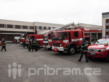 Děti včera zaplnily hasičskou zbrojnici