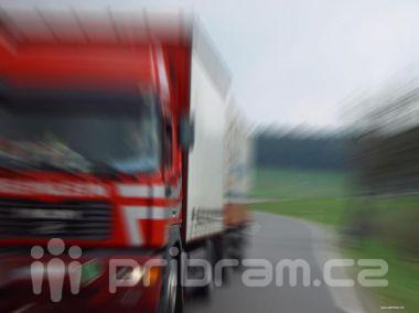 Hlavní tah na jih čeká u Benešova v létě oprava, kamiony se budou odklánět na Příbram