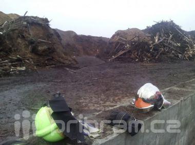 Hasiči v noci zasahovali u požáru v Rožmitále