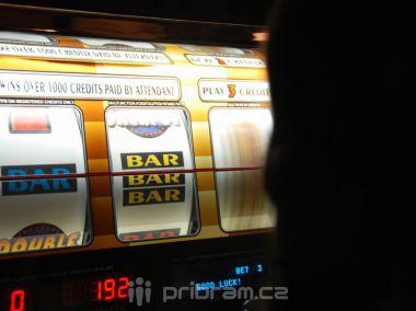 Radní se budou znovu zabývat výherními automaty