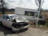 Aktuálně: Čelní střet dvou vozidel si vyžádal zranění osob