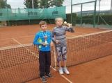 Věděli jste, že v Bohutíně hrají žáci tenisovou 1. ligu?