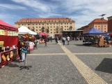 Na náměstí 17. listopadu byli včera zváni masožrouti a jedlíci. Sešla se jich pouze hrstka