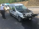 Aktuálně: Dopravní komplikace na dálnici D4. Střet osobního vozu s nákladním povolal na pomoc hasiče