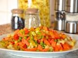 Dopřáváte si zeleninu? Mraženou důkladně tepelně upravujte, syrovou pořádně očistěte a omyjte!