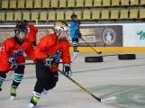 Pro malé hokejisty skončily prázdniny. Zimní stadion hostil první letošní kemp