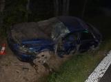 Další opilec usnul za volantem a skončil v příkopu. Z místa nehody ho odvezla sanitka.