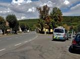 Auto srazilo a zranilo cyklistu, řidič z místa nehody ujel