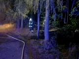Aktuálně: Hasiči likvidují požár hrabanky a lesního porostu u Zdaboře
