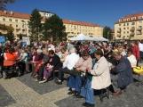 Svátek senioři oslaví v sobotu na náměstí 17. listopadu