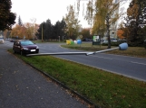 Aktuálně: Řidička trefila sloup pouličního osvětlení