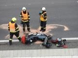 Aktuálně: Náraz motorkáře do svodidel povolal záchranné složky na dálnici D4