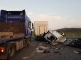 Tragická nehoda na hlavním tahu ze Strakonic, ve směru na Příbram, má na svědomí čtyři lidské životy