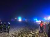Noční nehoda autobusu si vyžádala čtyři zraněné