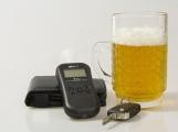 Policisté zastavili značně opilé řidiče, jeden z nich nadýchal téměř tři promile