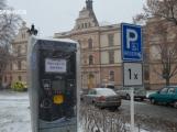 V pondělí začnou platit parkovací zóny a parkovací automaty