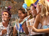 Silvestr očima záchranářů: Utržené prsty, rodinná bitka nebo mladík s vypitou lahví alkoholu