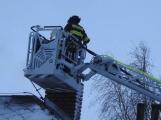Aktuálně: Hasiči zasahují u požáru sazí v komíně