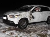 Aktuálně: Opilá řidička otočila Mitsubishi přes střechu