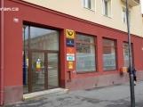Česká pošta zveřejnila nový ceník. Od března si připlatíme za balíky