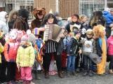 Děti z mateřinek roztančily náměstí