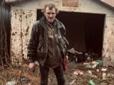 Bezdomovci v Březnické: Na vystěhování z garáže jsme měli deset minut, pak přijel traktor