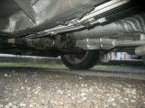 Zloděj odcizil katalyzátor ze zaparkovaného vozu, další podezřelé policie dopadla