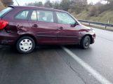 Dvě auta se srazila na dálnici D4