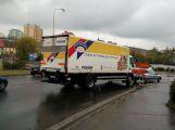Nehoda na kruhovém objezdu u Obory komplikuje dopravu v okolí