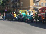 Dva vozy se srazily ve třídě Osvobození, od Edvarda Beneše je silnice uzavřená